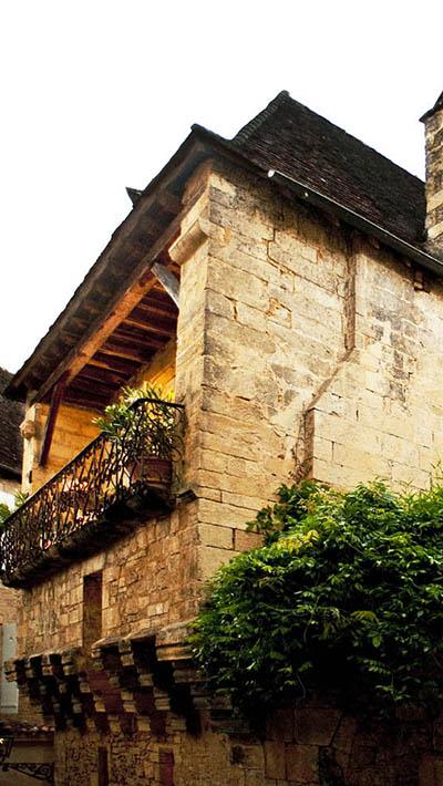 Balcon en fer forgé du XVIIe siècle